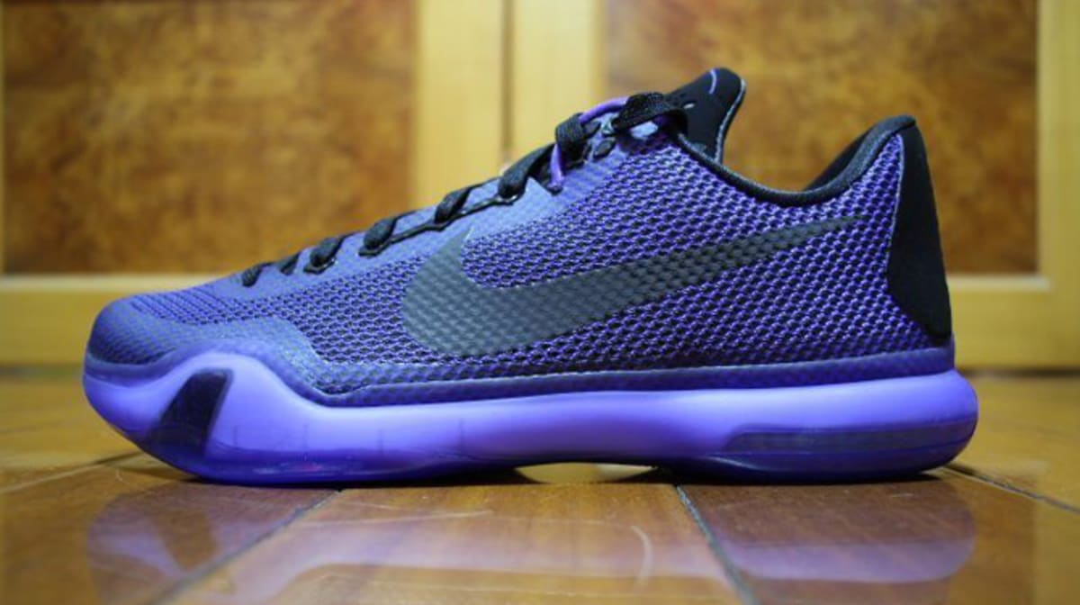 Nike Basketball Nearly Blacks Out for New Kobe X