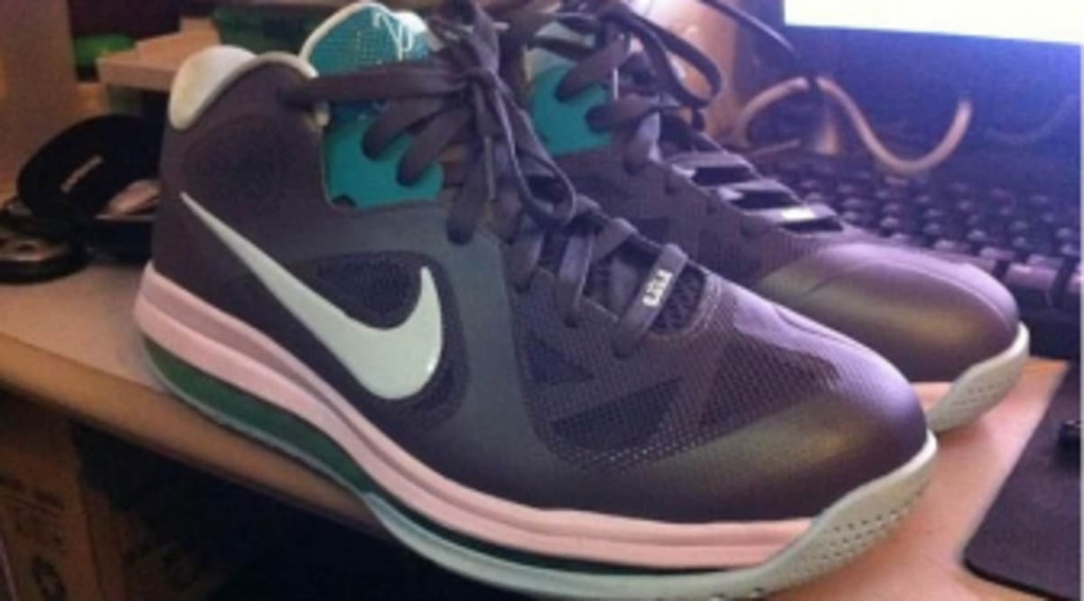 best website c5f67 5b3b8 Nike LeBron 9 Low - Easter   Sole Collector