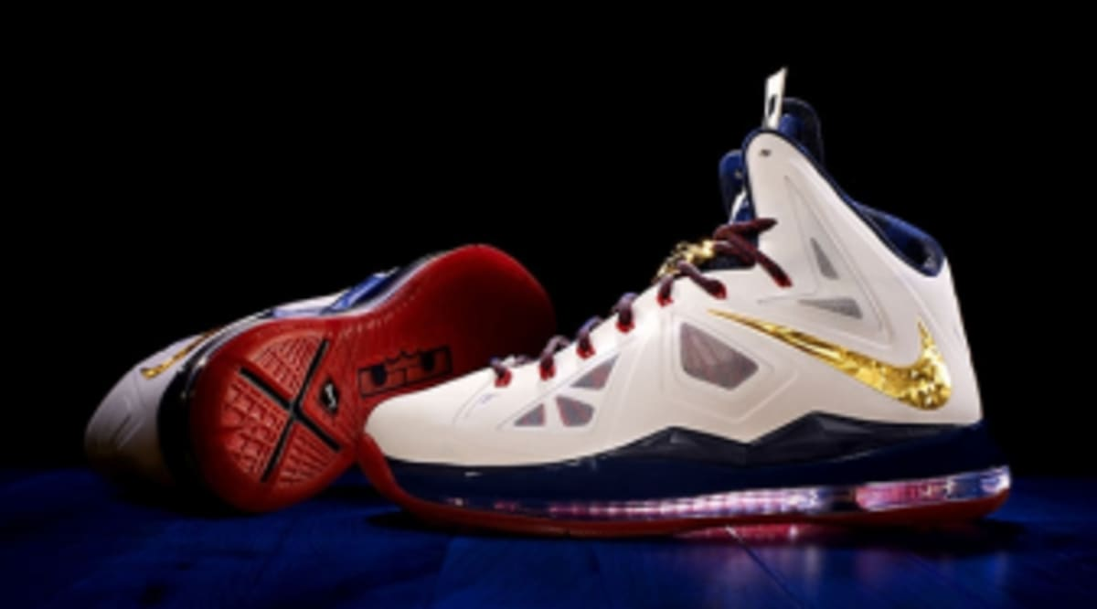 online retailer 56ad4 dddcf An Official Look at the Nike LeBron X