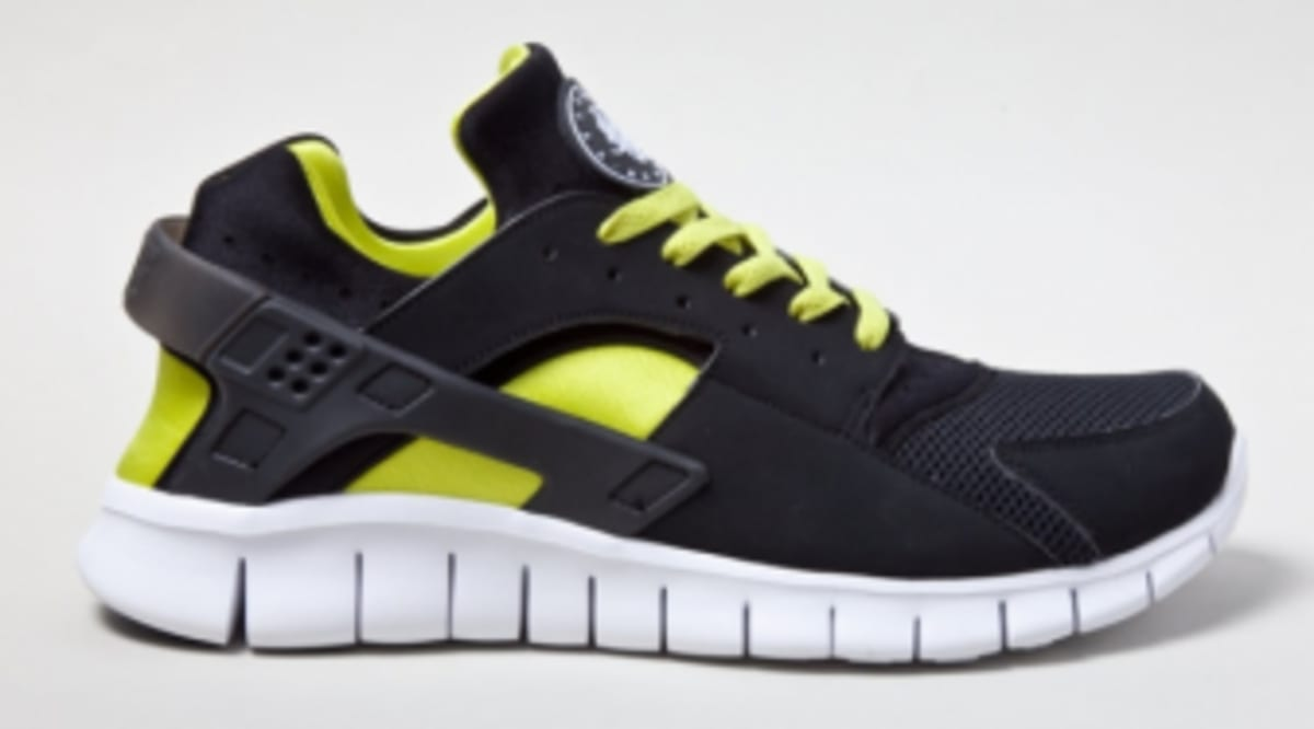 14dd3b7c8d935 Nike Huarache Free 2012 - Black Yellow