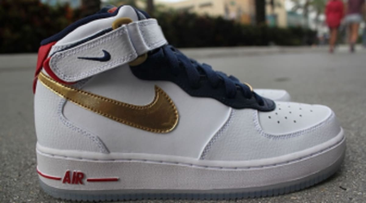 c4356b3a5f9e Nike Air Force Mid GS - Olympic