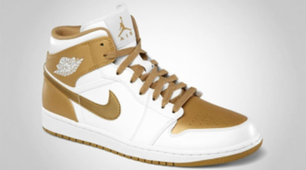 buy online c4916 8bad4 Air Jordan 1 Phat - White Metallic Gold - Official Photos   Sole Collector