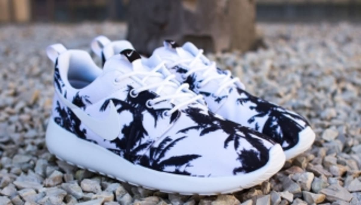 first rate 410ae a80ca ... usa nike roshe run palm trees sole collector 10c75 816d9