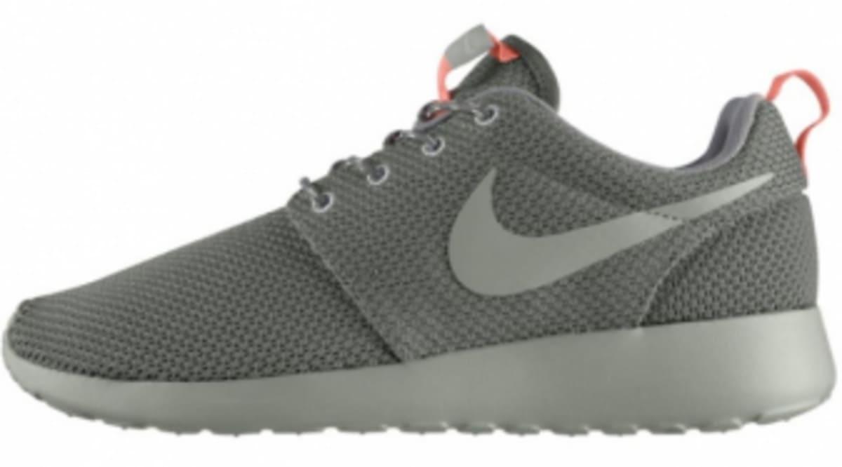new style f4b3e a5e83 Nike WMNS Roshe Run - Mercury Grey   Sole Collector