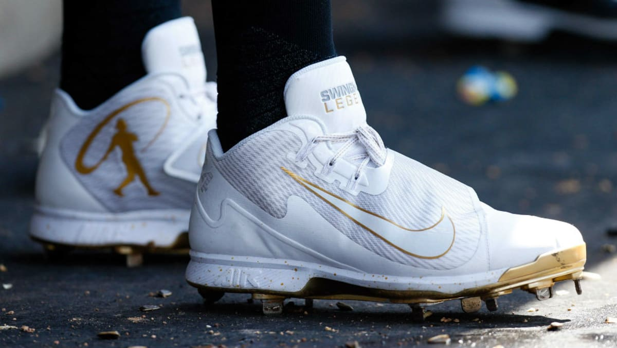 Gold Star Auto >> Nike Baseball Players Wear Griffey Hall of Fame Cleats ...