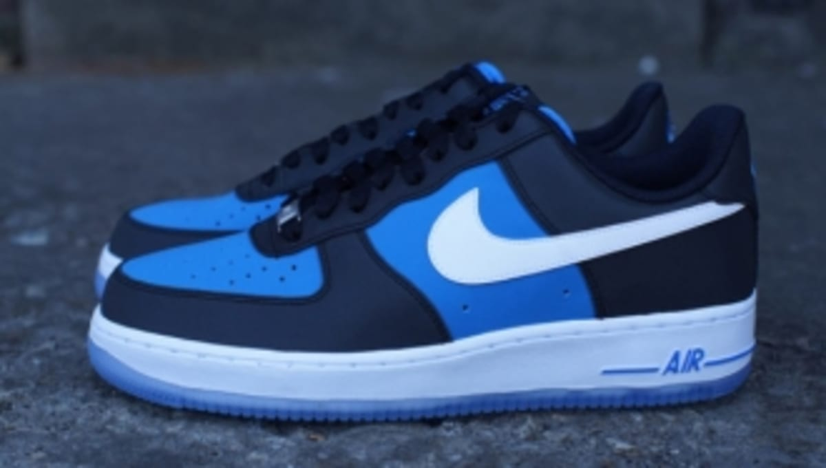 Nike Air Force 1 Low Black Light Photo Blue Sole Collector