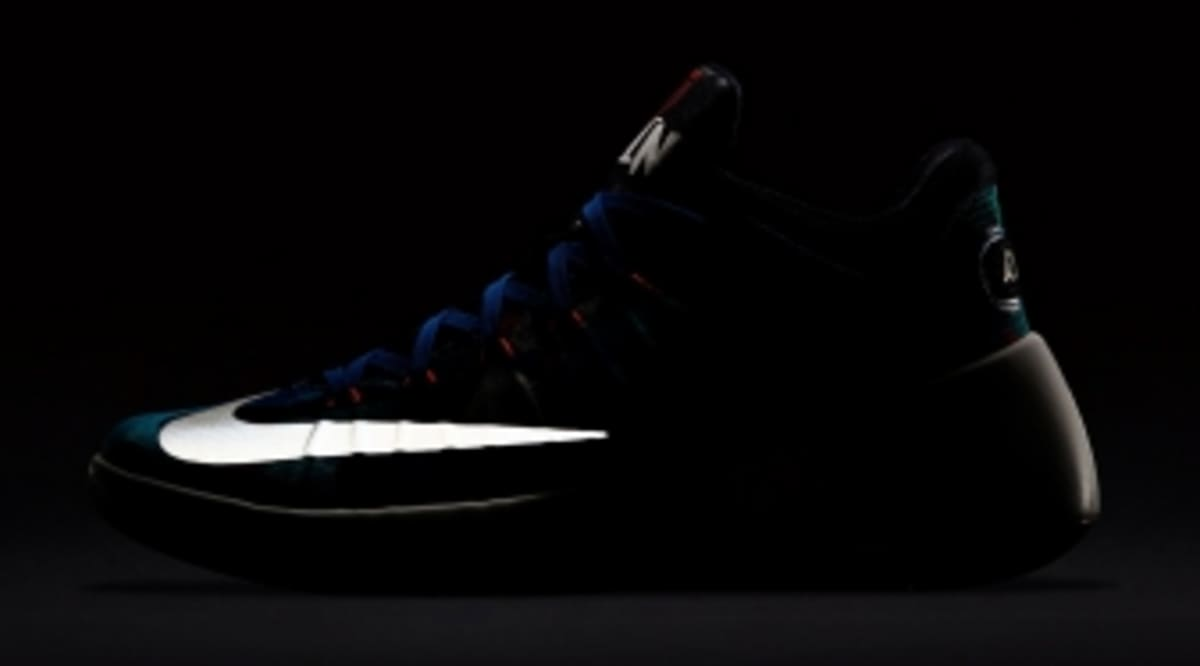 44706dd01fd8 Nike Just Released a Limited Hyperdunk Out of Nowhere
