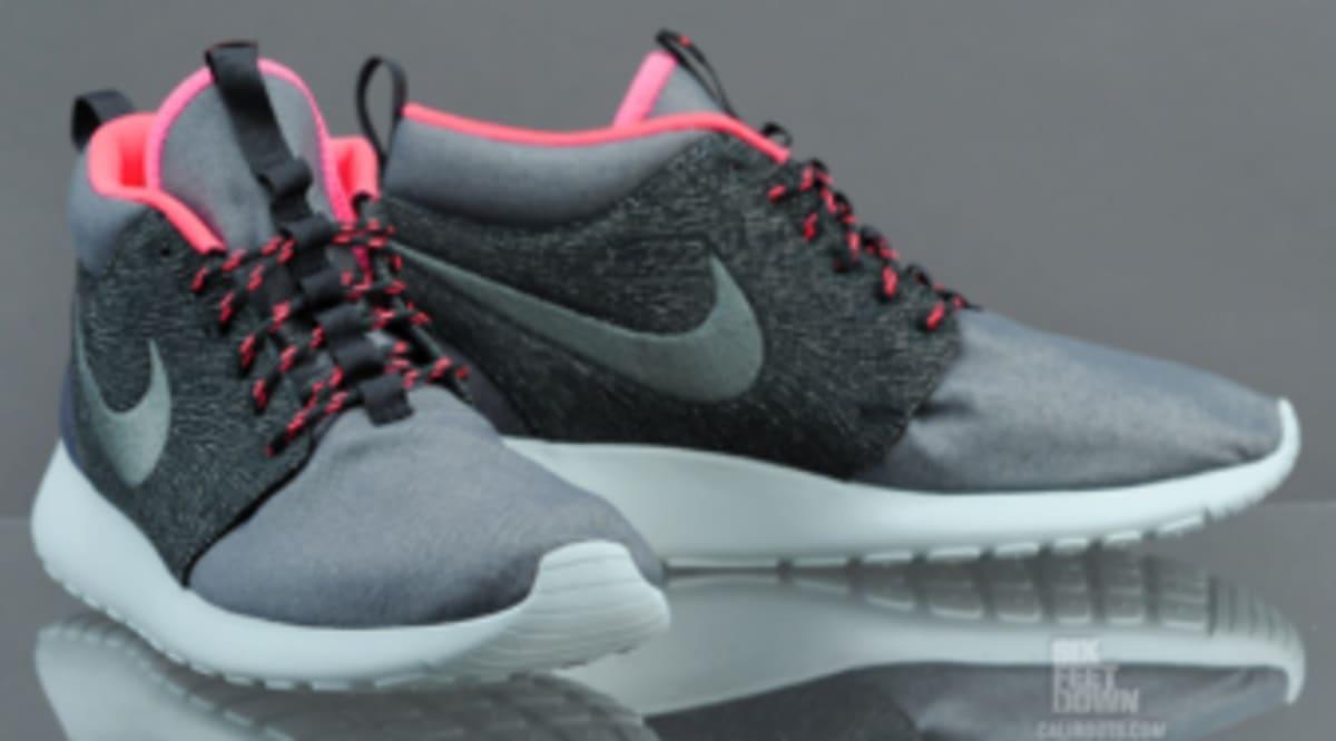 7e55df6952a44 Nike Roshe Run Mid QS -