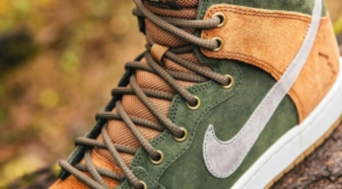 buy popular 77877 3eb08 Nike Explores the Great Outdoors in a Homegrown Dunk SB Collab   Sole  Collector