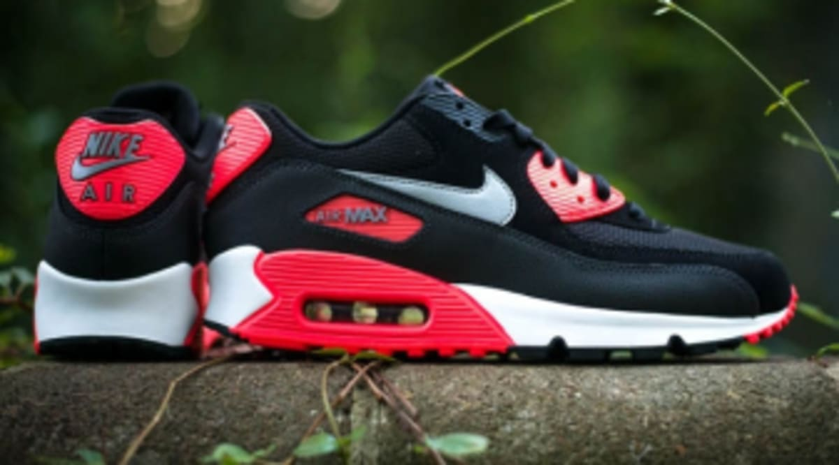 sports shoes 07e80 b82f6 Nike Air Max 90 Essential -  Black   Wolf Grey - Atomic Red - Black