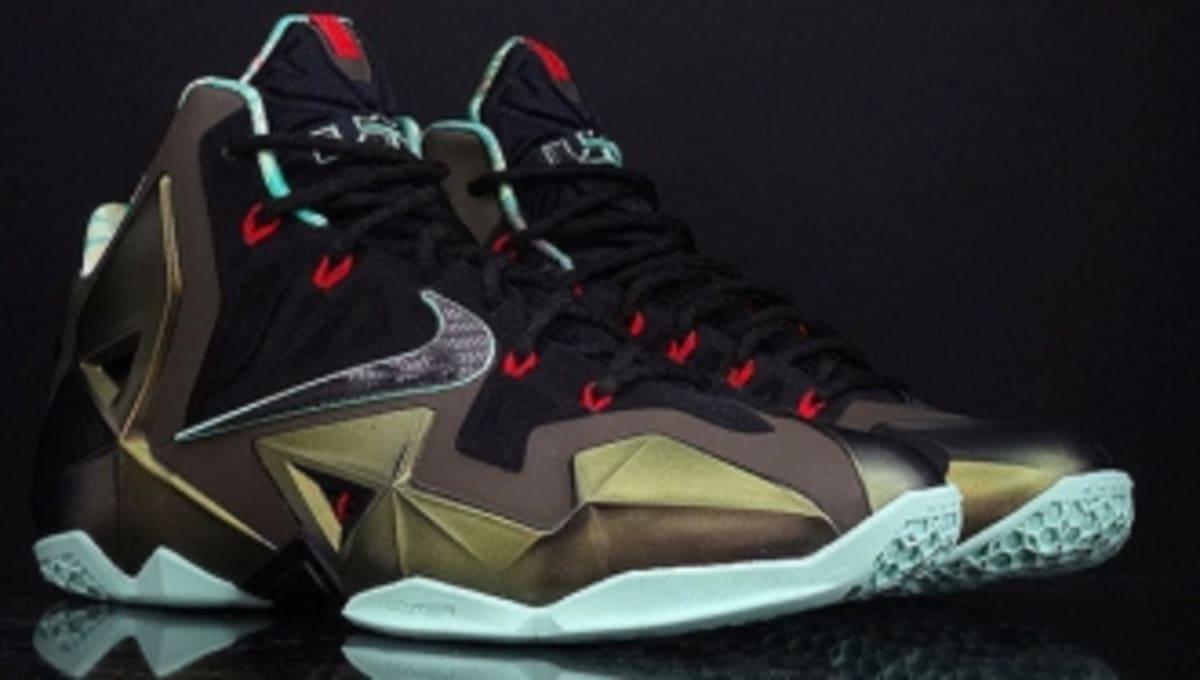 super popular a0da2 ff620 Nike LeBron XI - King s Pride - New Images   Sole Collector