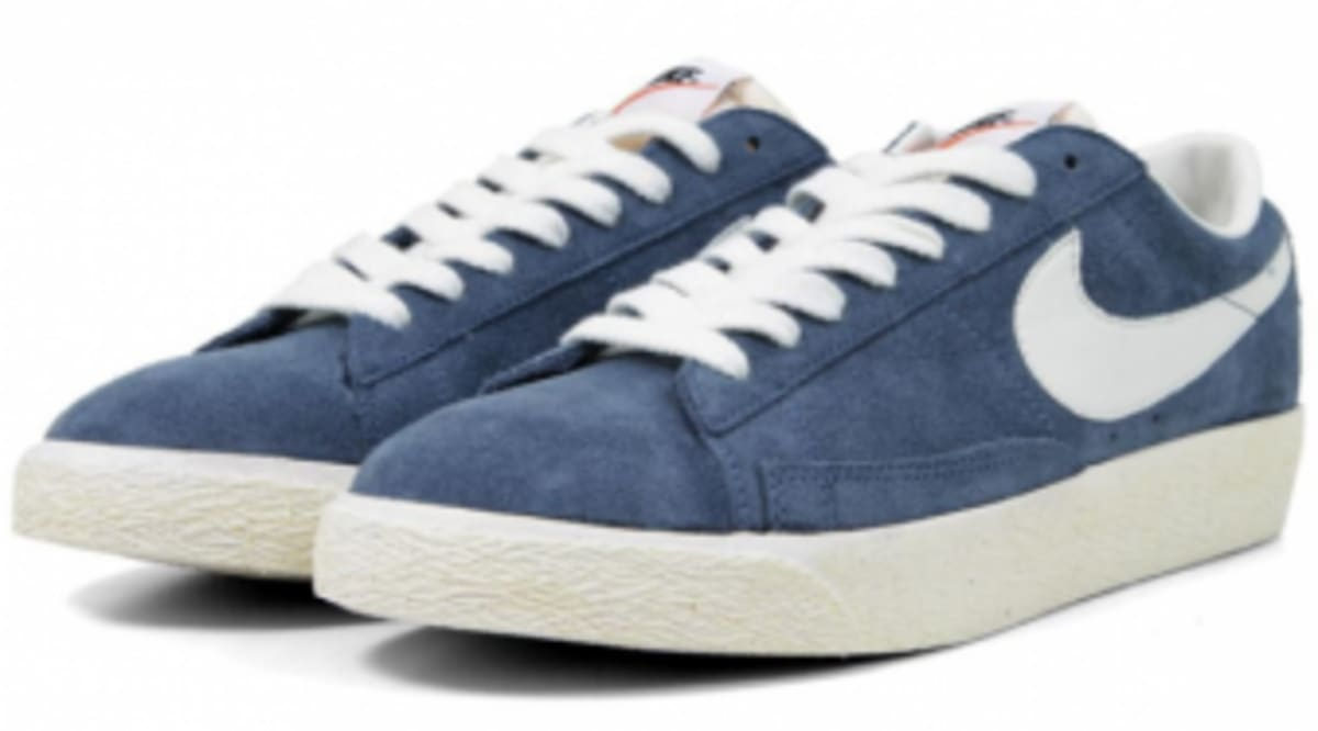 new style 10e41 a3eb4 ... switzerland nike blazer low prm vntg obsidian sail sole collector 241ee  5c210
