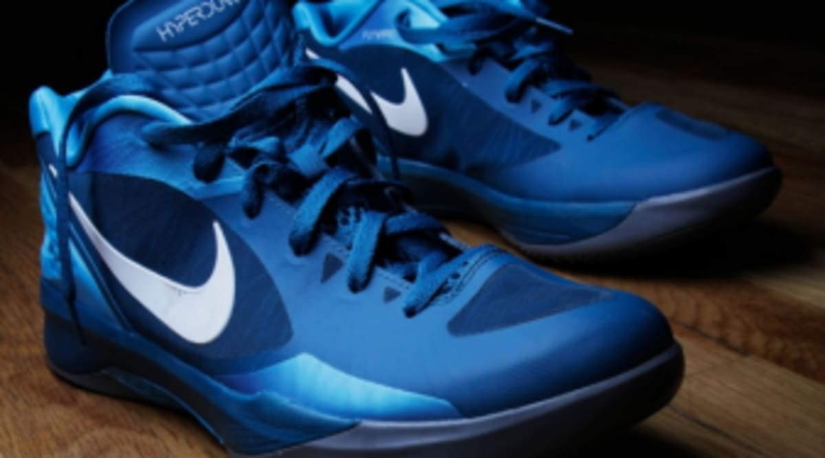 a848397ce85 Kicksology    Nike Hyperdunk 2011 Low Performance Review
