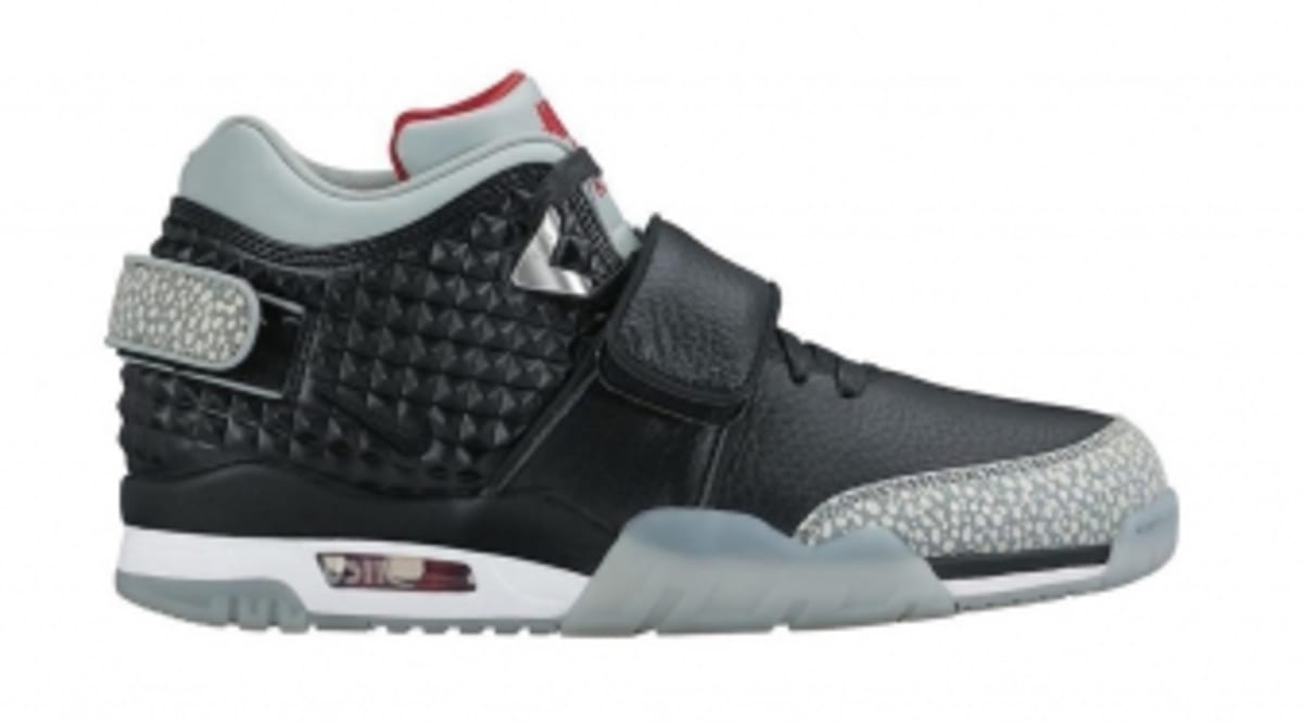 819a3e028ed This May Be a First Look at Victor Cruz s First Nike Signature Shoe ...