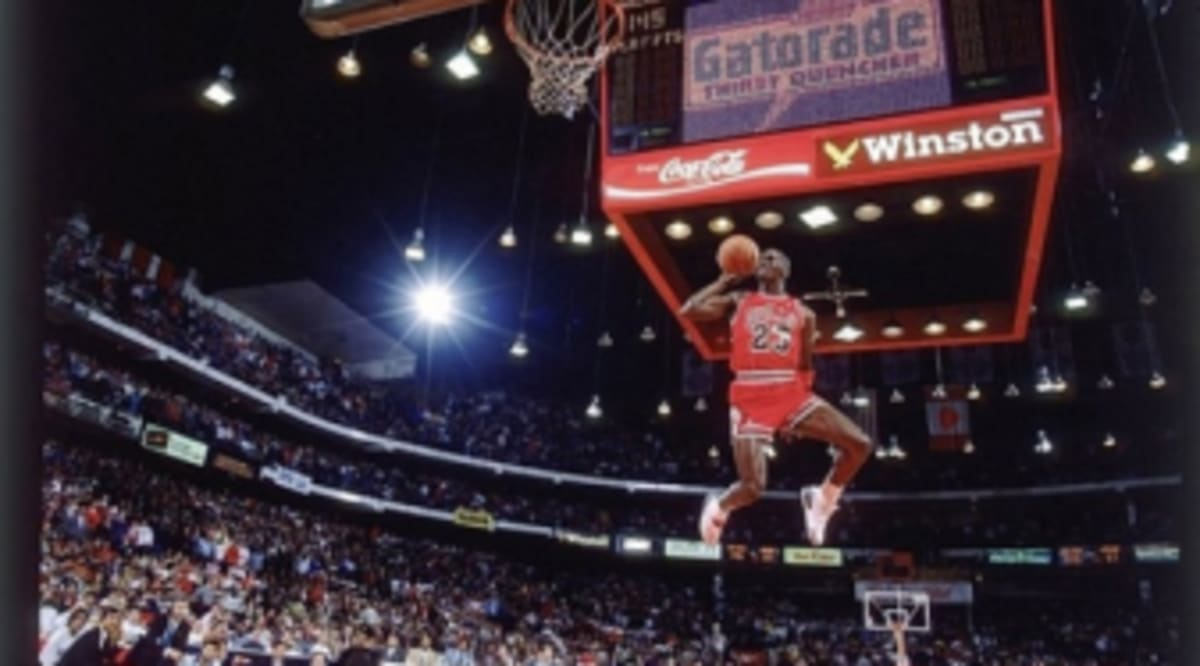pretty nice 0f2a5 8be9b The Story Behind Michael Jordan s Iconic Free-Throw Dunk Photo   Sole  Collector