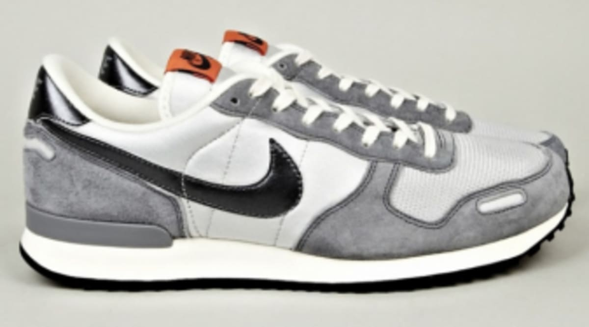 nike air vortex in 3 shades of grey sole collector. Black Bedroom Furniture Sets. Home Design Ideas