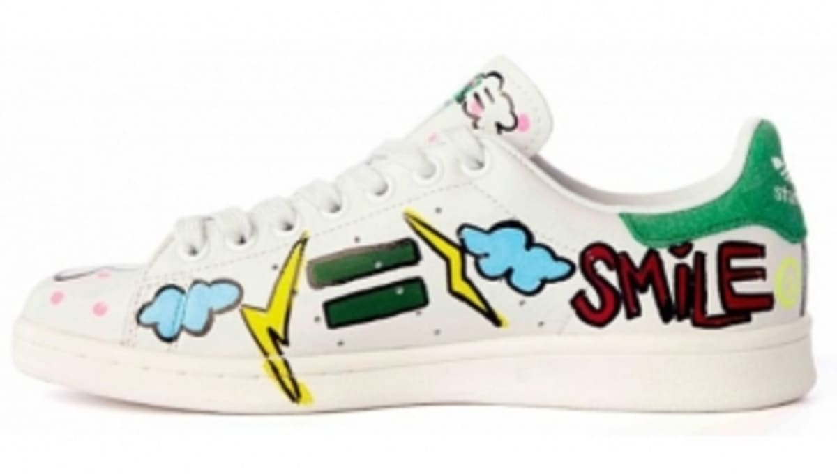 pretty nice b5026 a5257 Pharrell Customized 10 Pairs of adidas Stan Smiths for Charity