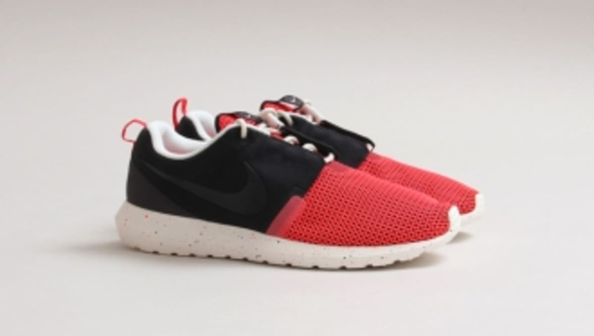 3d21e8ff54fc ... coupon code for nike roshe run nm br black pine sole collector 41afd  b8afb