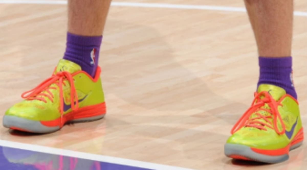 info for dfe71 bc981 ... Steve Nash Wears Nike Lunar Hypergamer Low ...