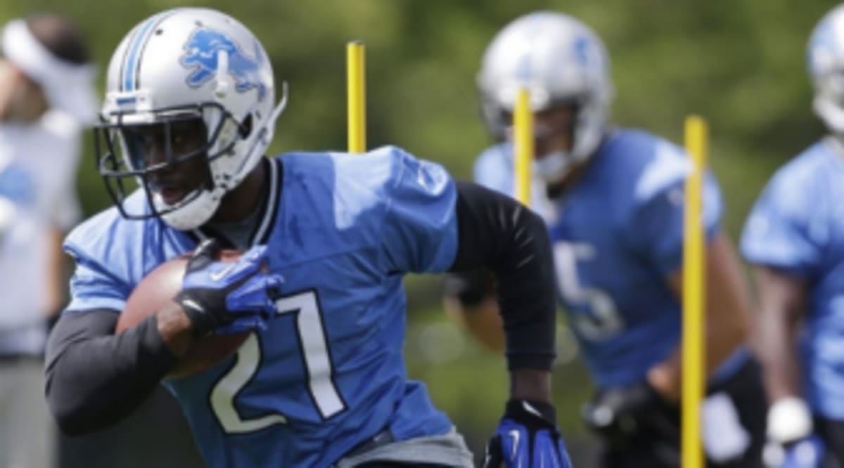 Reggie Bush Signs With Nike Sole Collector