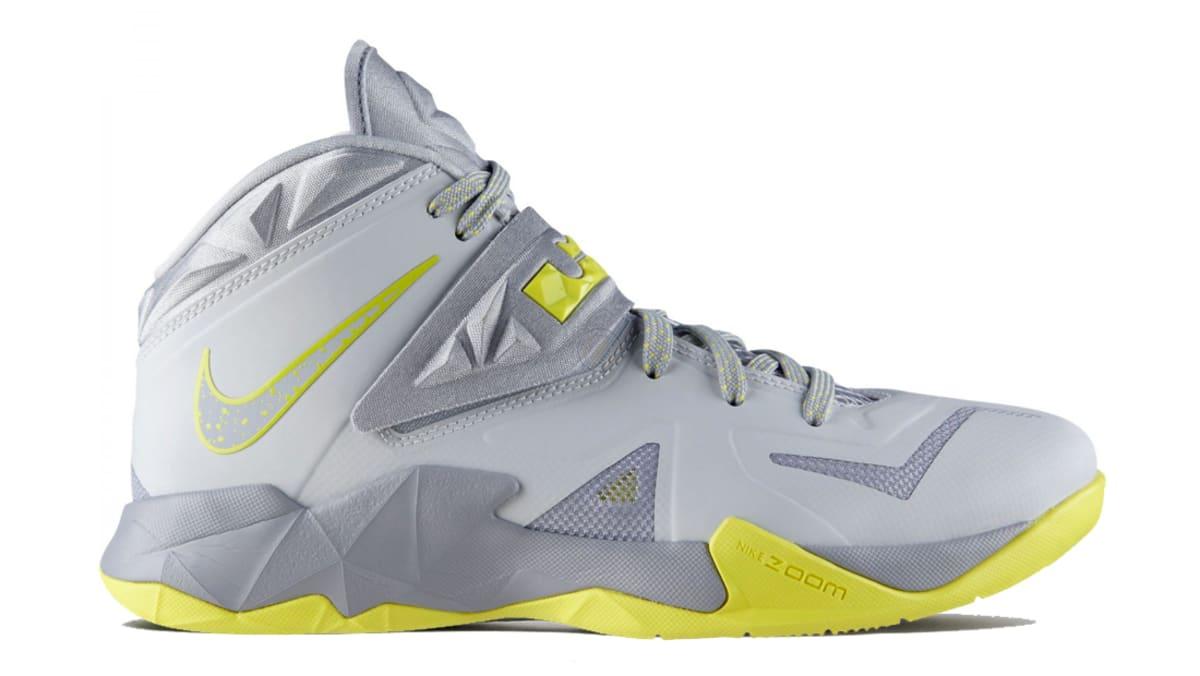 Nike Zoom LeBron Soldier 7 (VII) | Nike
