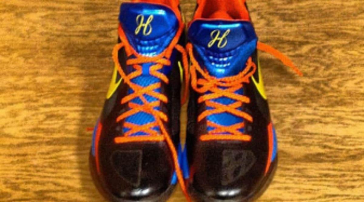 "d5db5ee7cb3 Nike Zoom Hyperdunk 2011 Linsanity ""Away"" – Foot Locker Blog. Discount Buy Nike  Hyperdunk 2011 LowLinsanity Player Edition"