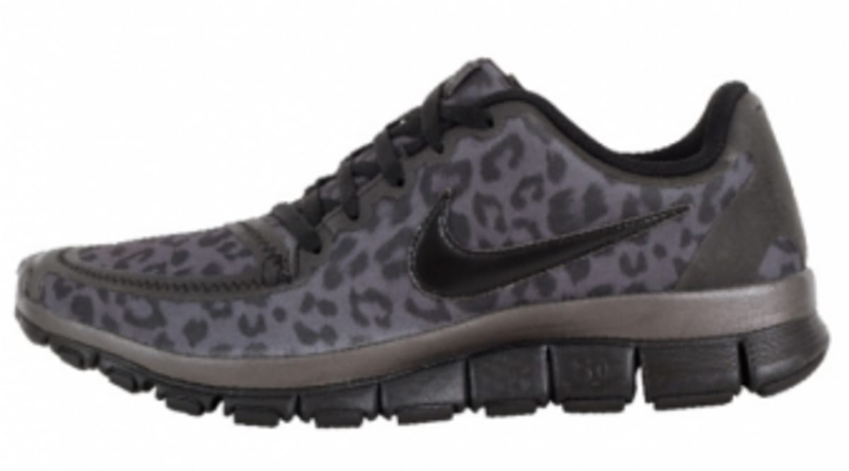 22829ac94f36 Nike WMNS Free 5.0 V4 - Leopard