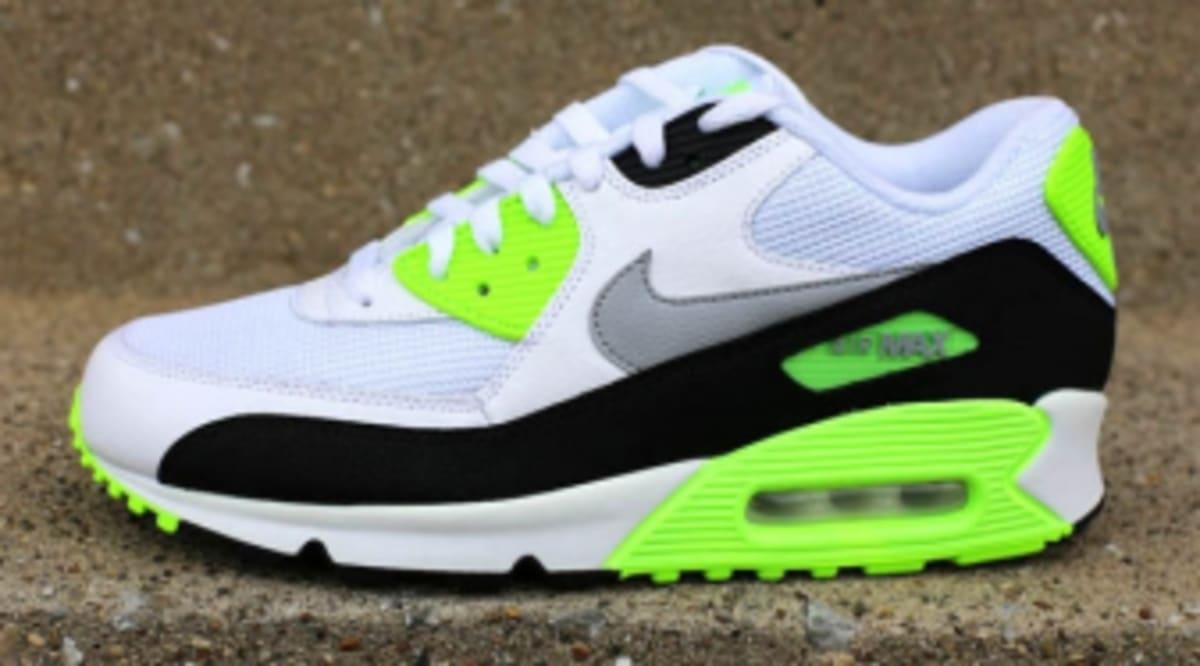 a1e06f0c7b79 Nike Air Max 90 Essential -