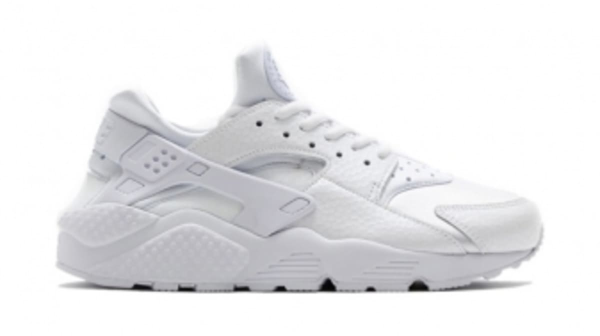 Nike Huaraches Bring Back the 'White on White' Look