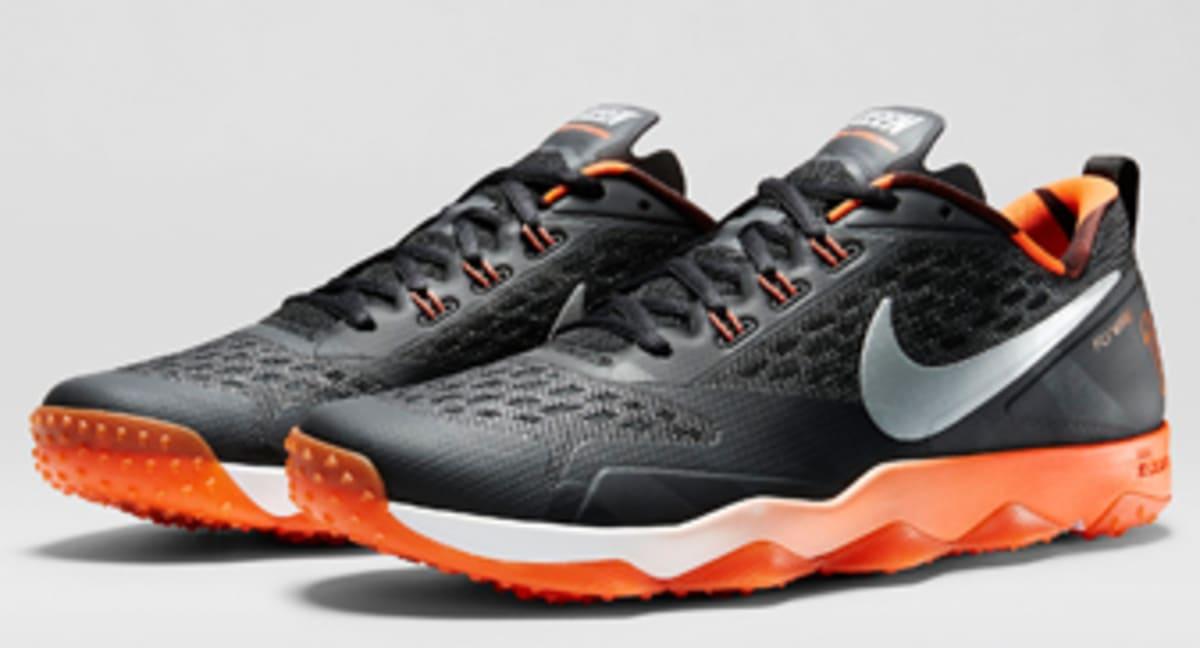 wholesale dealer af19e 7a6a4 Release Date  AJ Green s Nike Zoom Hypercross TR