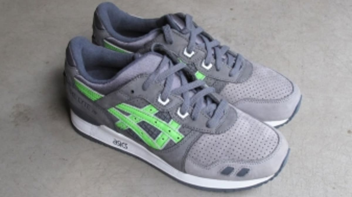 Ronnie fieg 39 s super green asics gel lyte iiis up for for Charity motors auction 8 mile