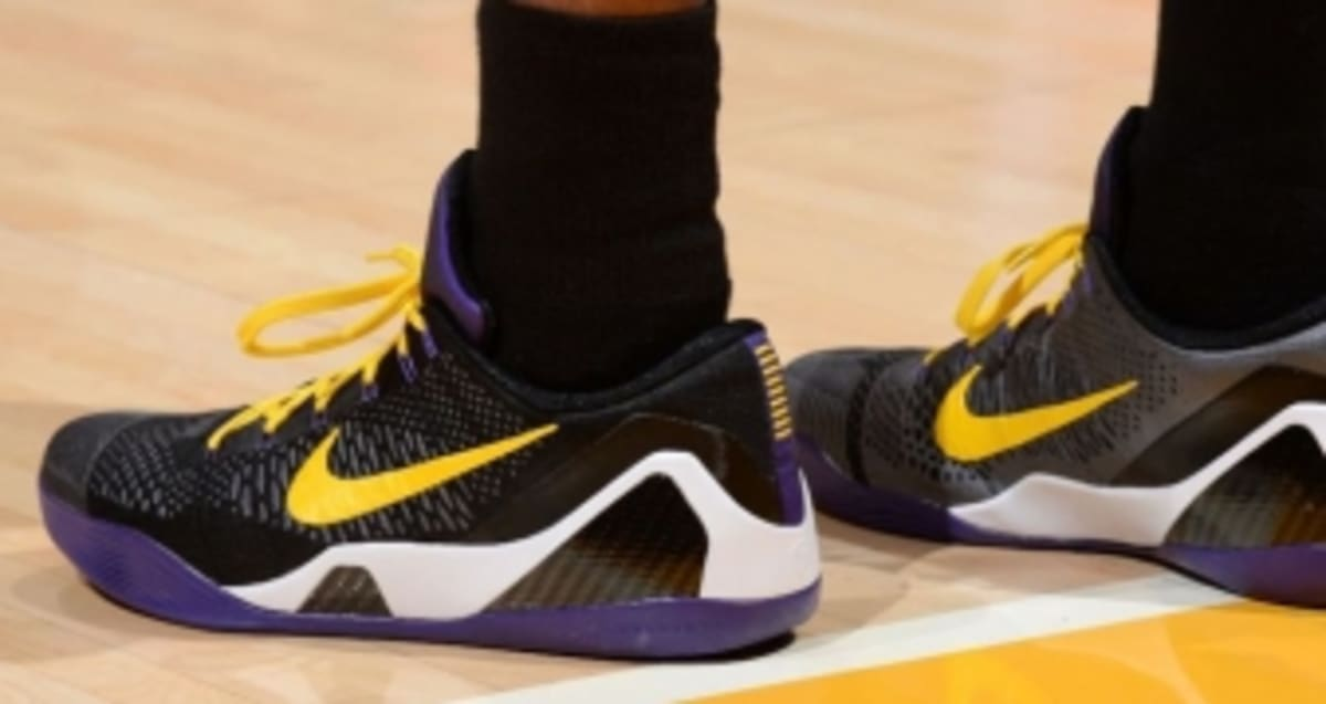 the latest 5f305 cfdb0 Kobe Bryant Debuts  Hollywood Nights  Nike Kobe 9 Elite Low PE   Sole  Collector