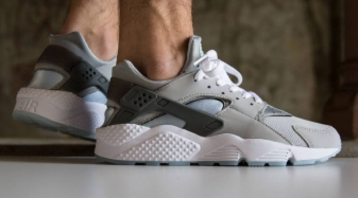 outlet store 645b0 7bf82 See How the MAG Nike Air Huaraches Look On-feet. Marty McFly colors.