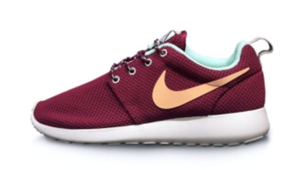 best website a90de 21ed9 ... reduced nike roshe run raspberry red purple dynasty sole collector  6f6e8 9b900