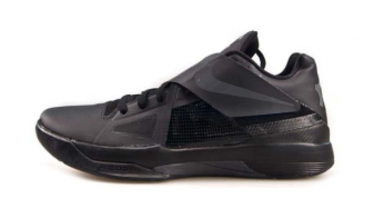 more photos 0508f 412b8 Nike Zoom KD IV - Blackout   Sole Collector