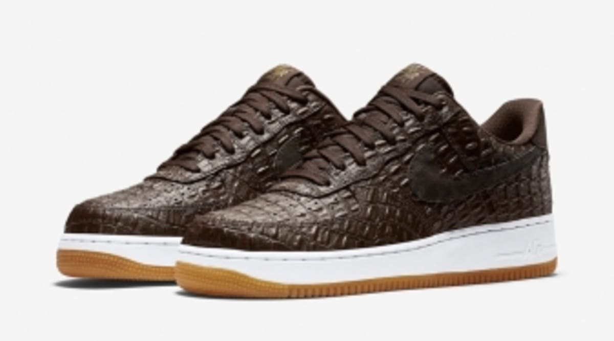 best loved 148a0 6b445 ... authentic croc skin covers the nike air force 1 sole collector aa006  d1a10