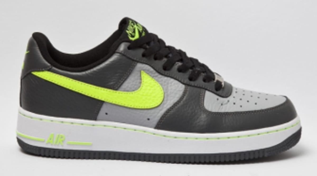 6845f72fa61c7 Nike Air Force 1 Low - Grey Volt