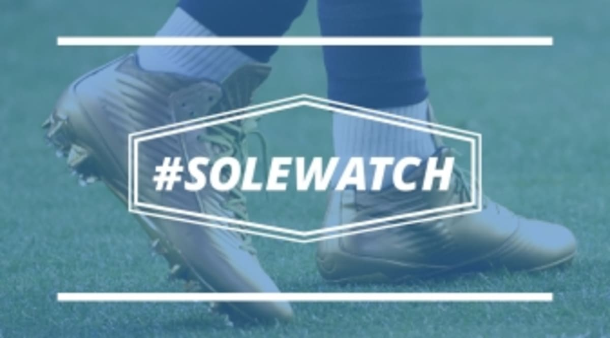 6374ae45c  SoleWatch  The NFL Made Marshawn Lynch Change Out of His Gold Super Bowl  Cleats