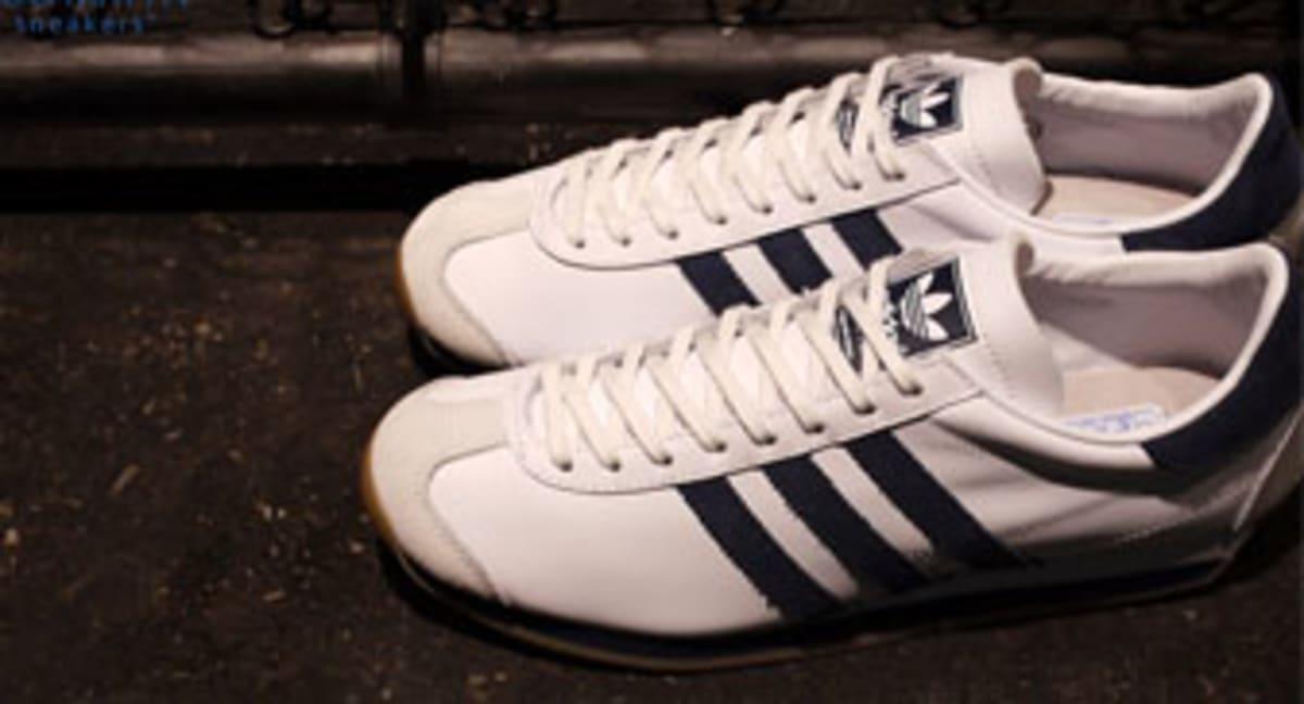 buy online 00e01 c7b6b mita sneakers x adidas Originals Country OG WhiteNavy-Gum  Sole Collector