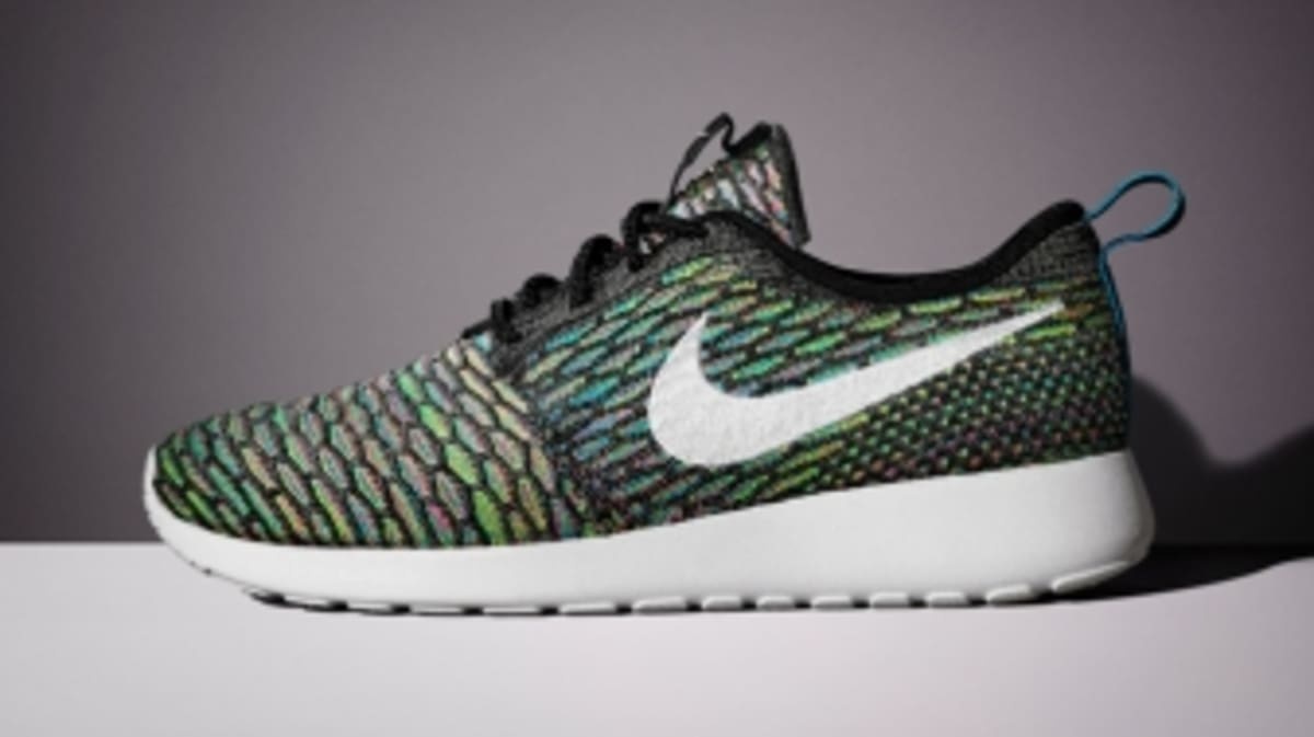 29f572eb0f87 Up Close with the Nike Flyknit Roshe Run
