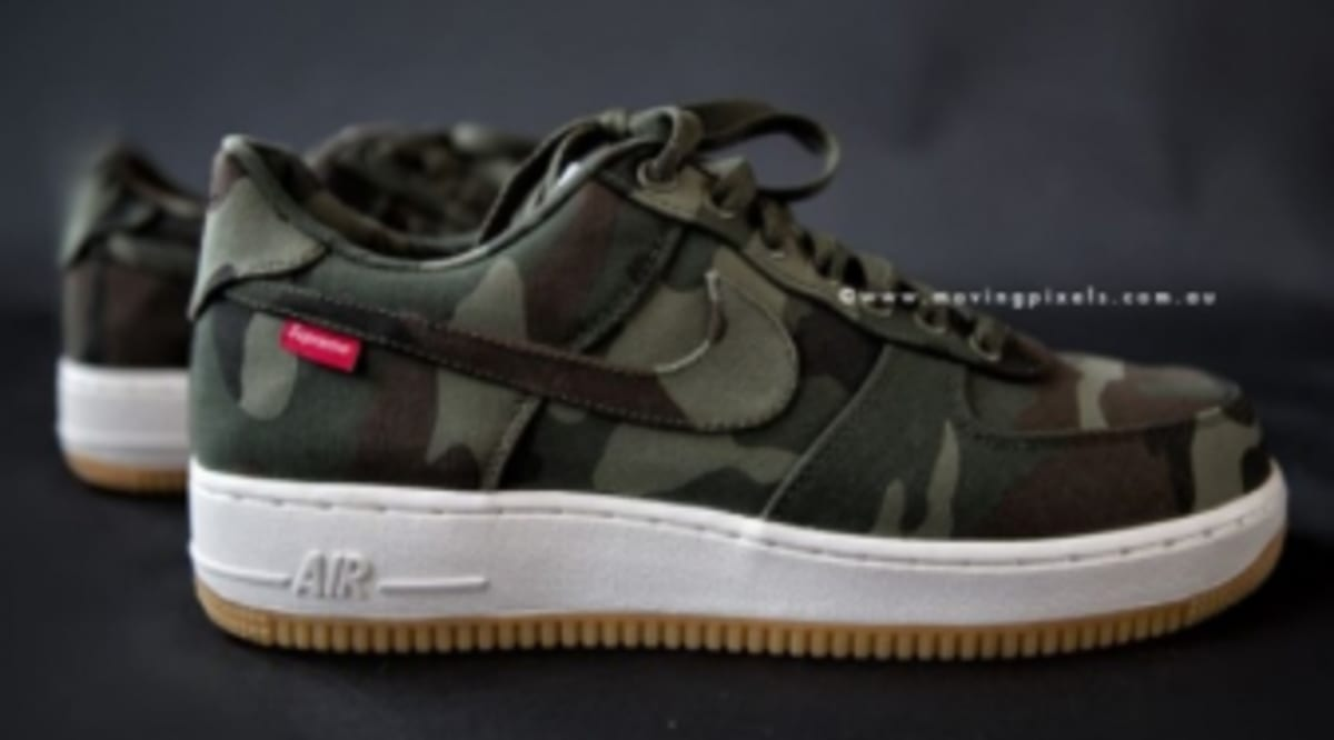 newest f7433 91a37 Supreme x Nike Air Force 1 Low - 30th Anniversary - Camo   Sole Collector