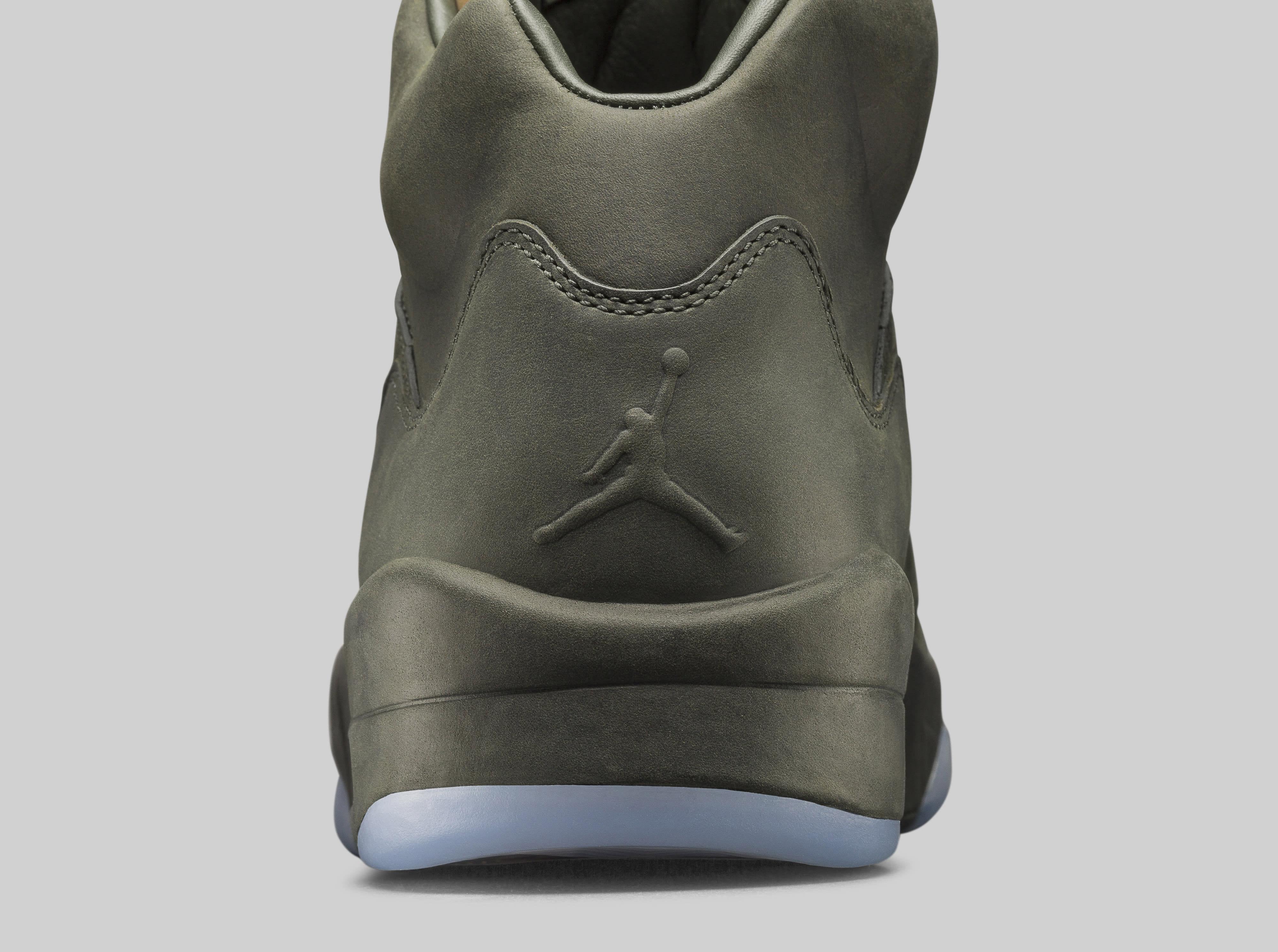 Take Flight Air Jordan 5 881432-305 Heel