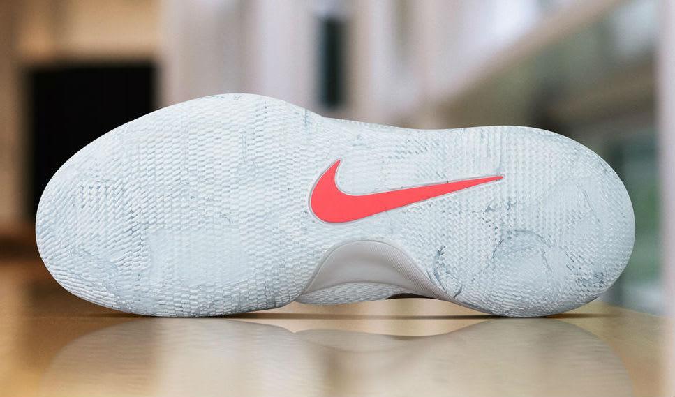 Nike Hypershift Christmas PE Sole