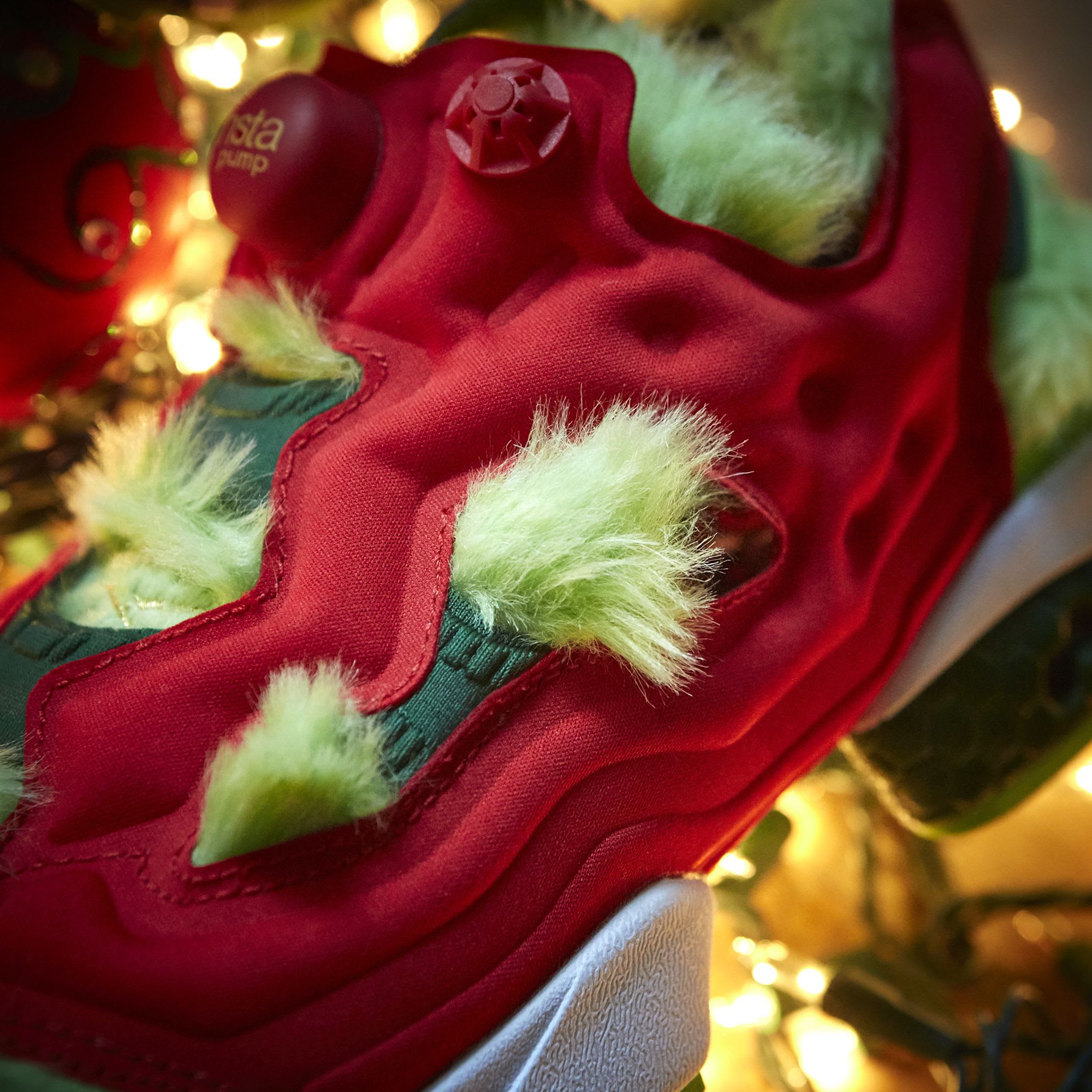 reebok instapump fury cv  u0026quot grinch u0026quot  on
