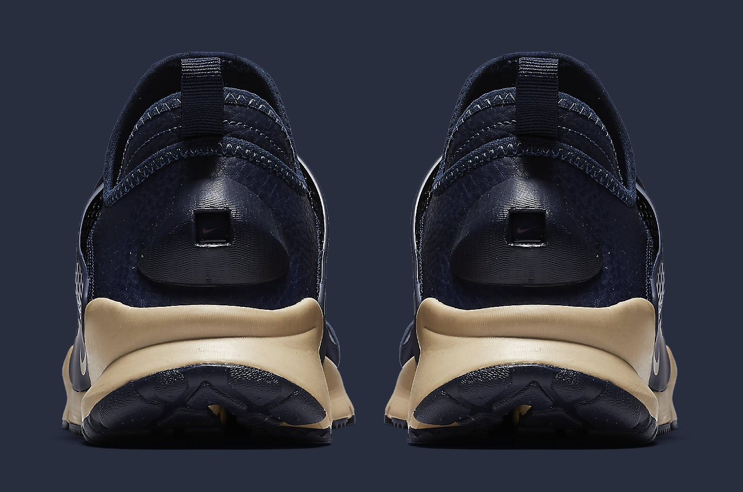 Stone Island Nike Sock Dart 910090-400 Heel