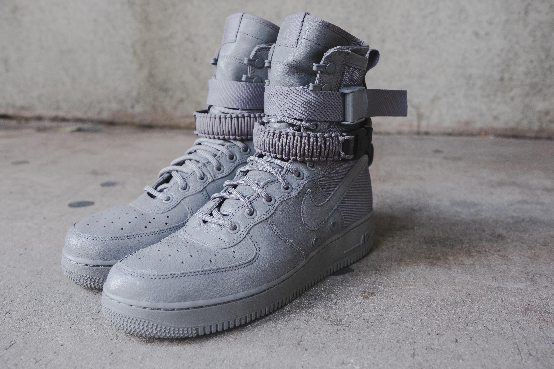 Nike Force 1 Grey