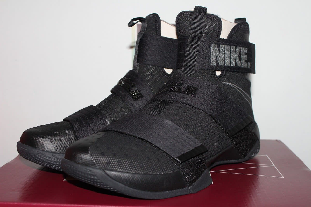 Nike LeBron Soldier 10 NYC Blackout (2)