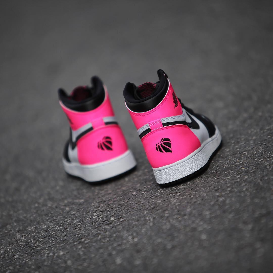 Air Jordan 1 Valentineu0027s Day Black Pink Release Date 3M 881426 009 (3)