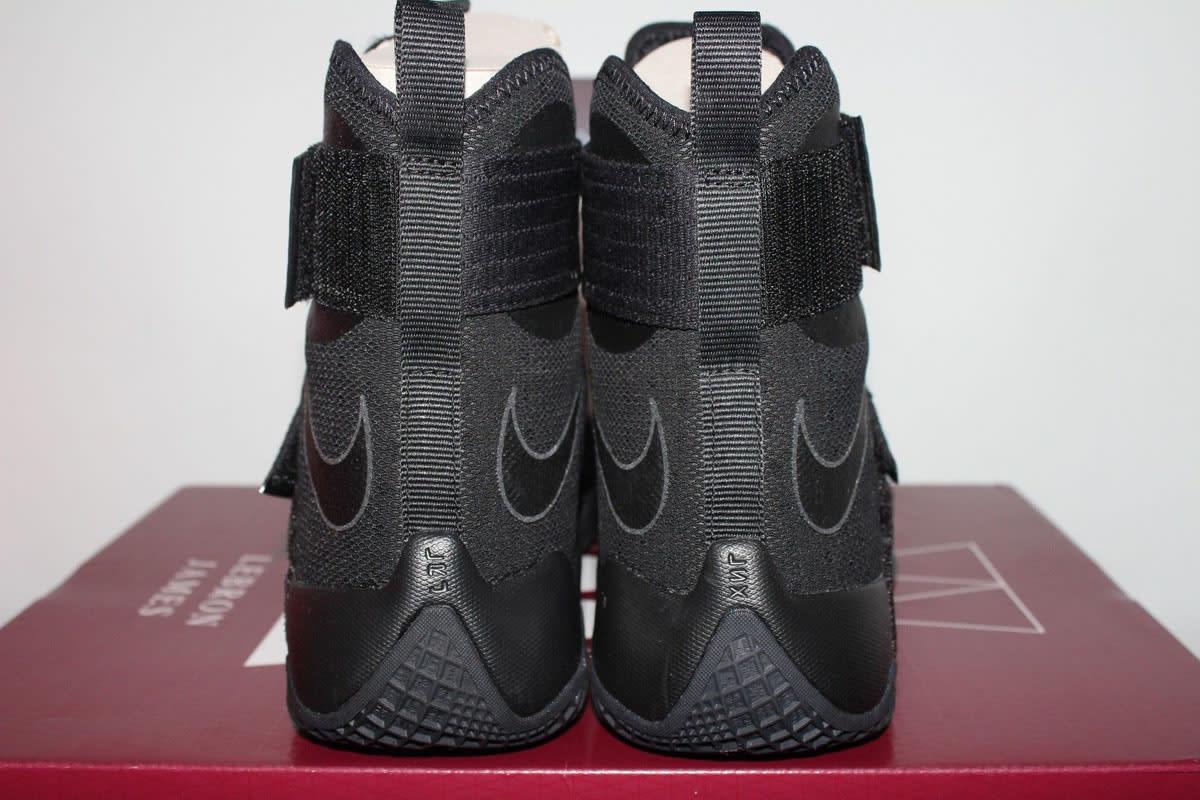 Nike LeBron Soldier 10 NYC Blackout (8)