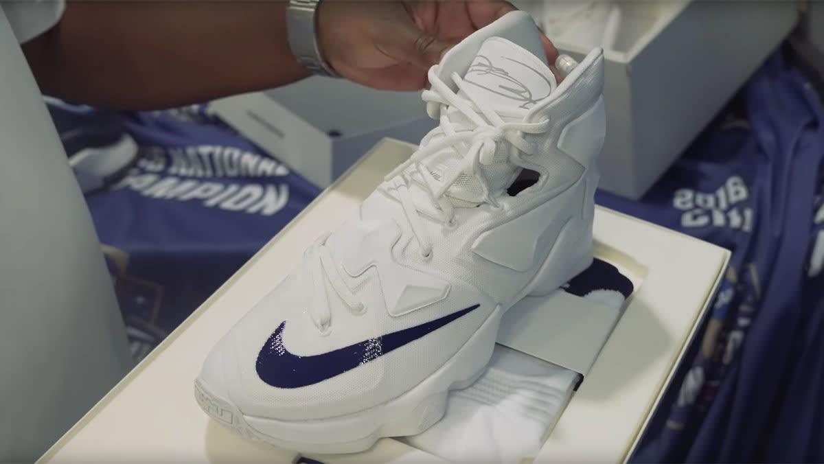 Villanova Nike LeBron 13